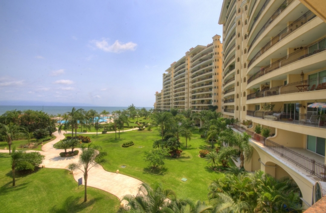 Bay View Grand D307